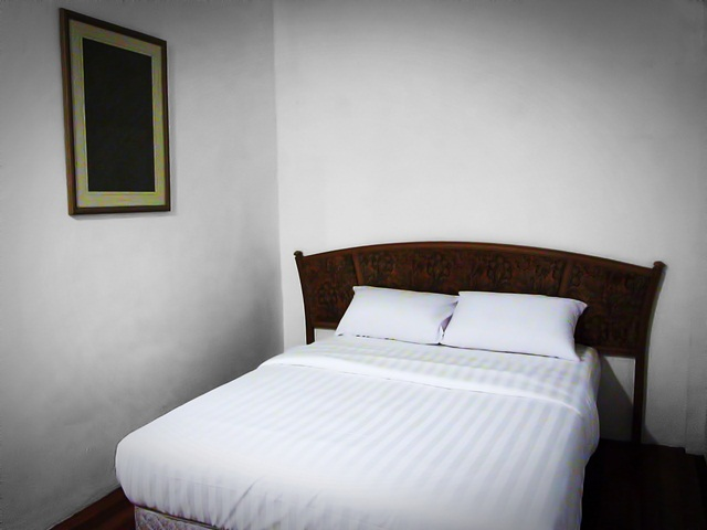 Benarat Lodge - Air-cond room